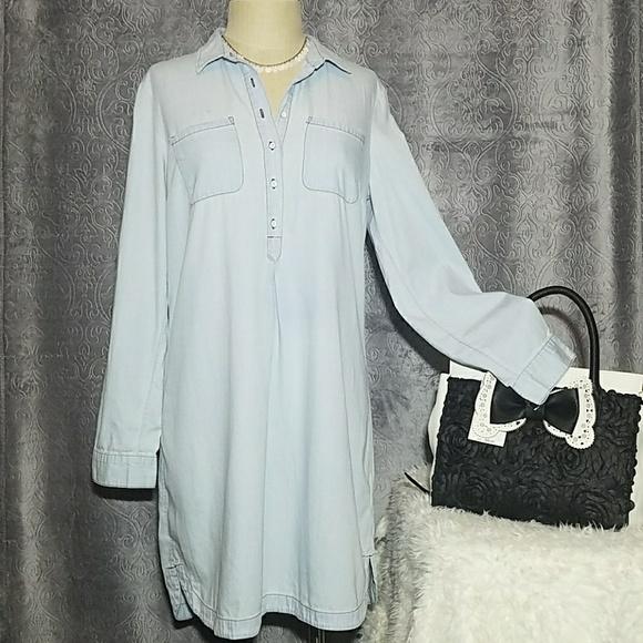 18a677410fd Old Navy chambray shirt dress M. M 5ab82a4b2ae12f5bd4184755